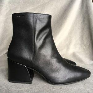 a30db1ba59e Vagabond Shoes   Olivia Black Leather Heeled Ankle Boots   Poshmark